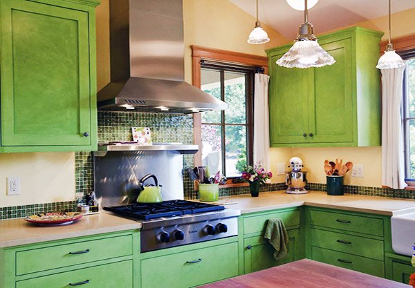 green kitchen cabinets idea