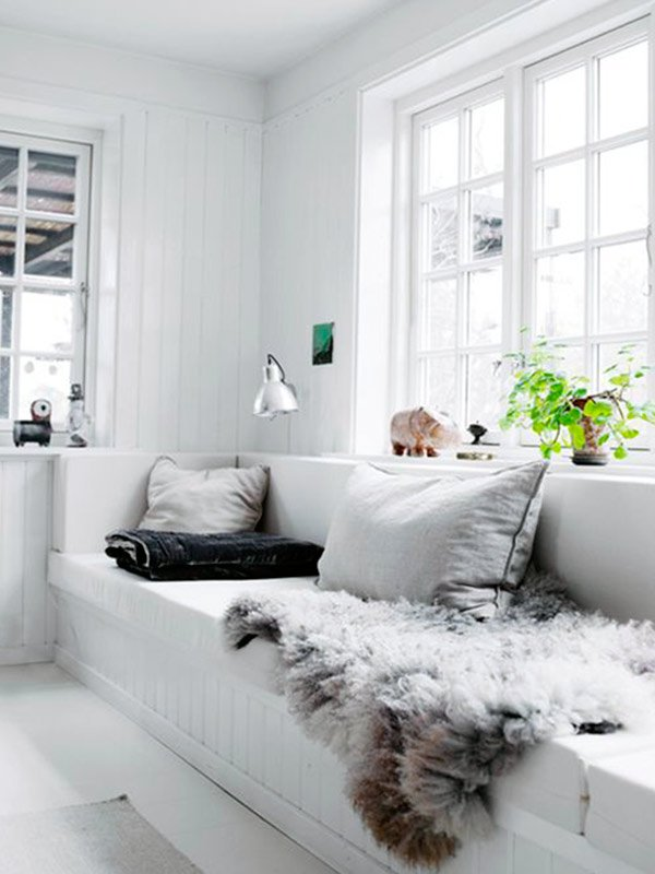white cosy living room design