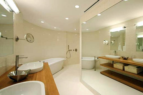 bright modern bathroom design