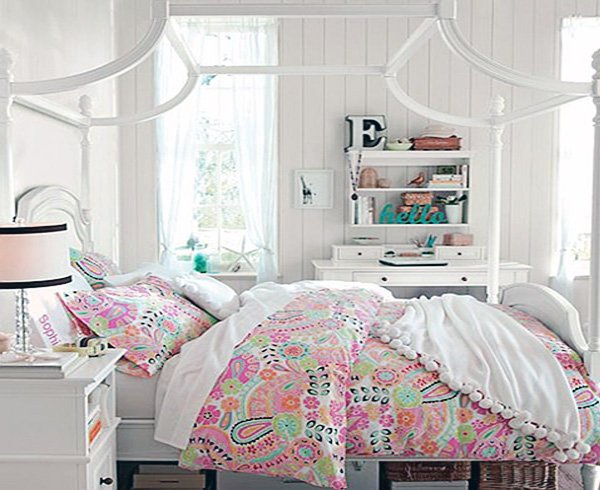 calming teen bedroom
