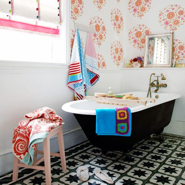 colorful bathroom decoration