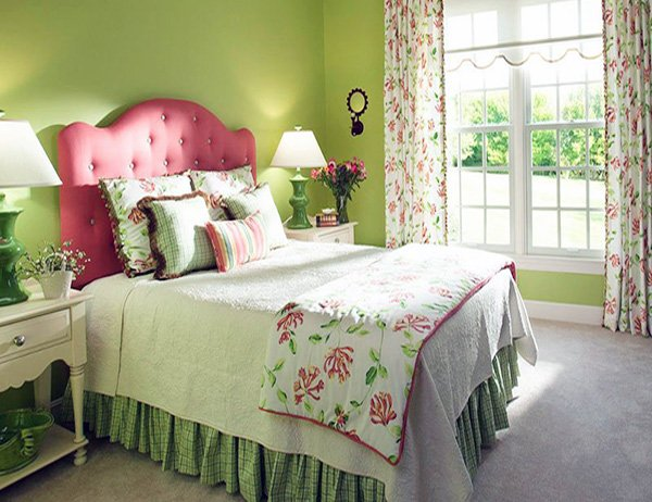 green bedroom decor