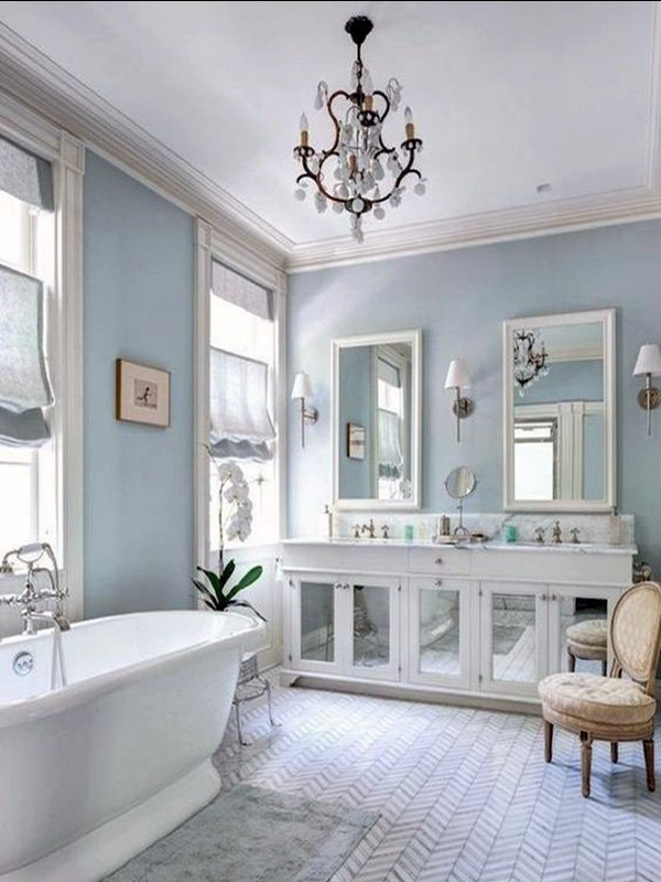 light blue and white bathroom design idea