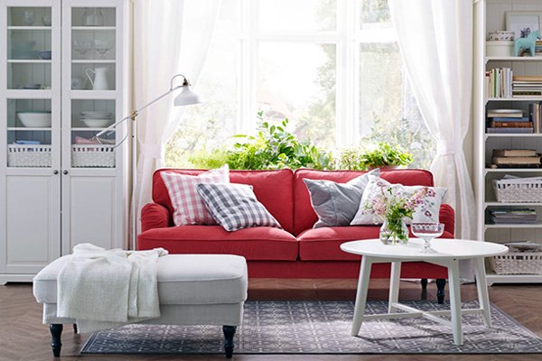 red and white combinated charming natural living room design