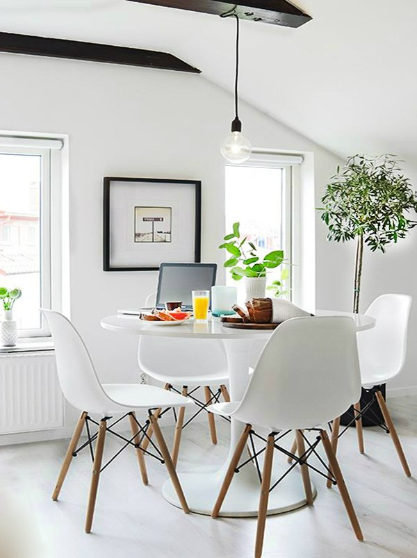 small bright dining room decoration