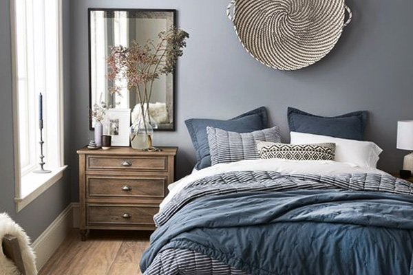Simple Yet Elegant: Blue Bedroom Walls